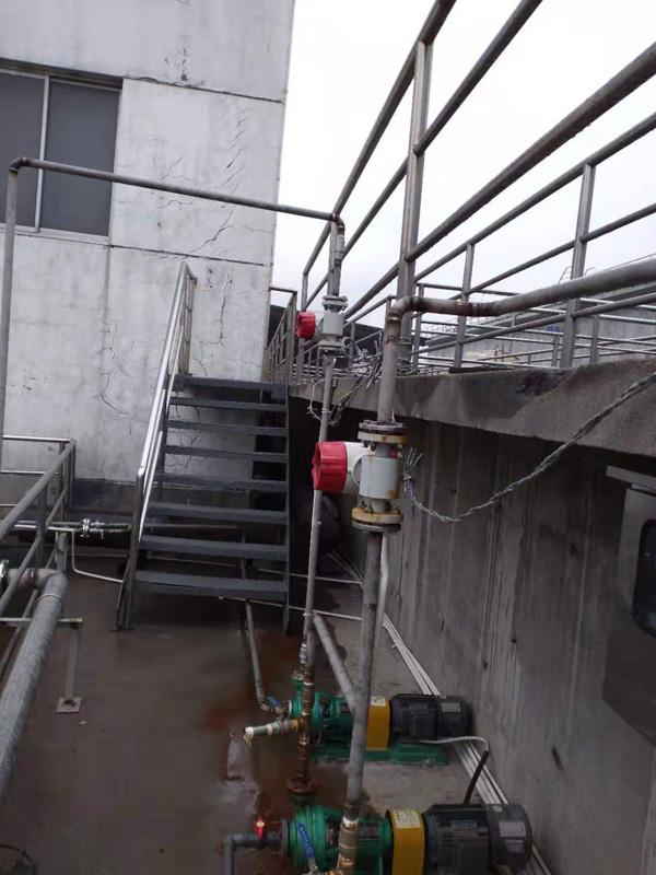 米科电磁流量计在印染污水处理现场